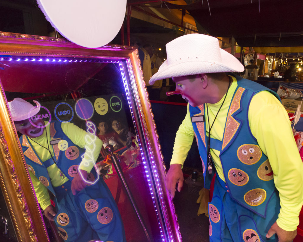 _D3_0474 clown in booth copy